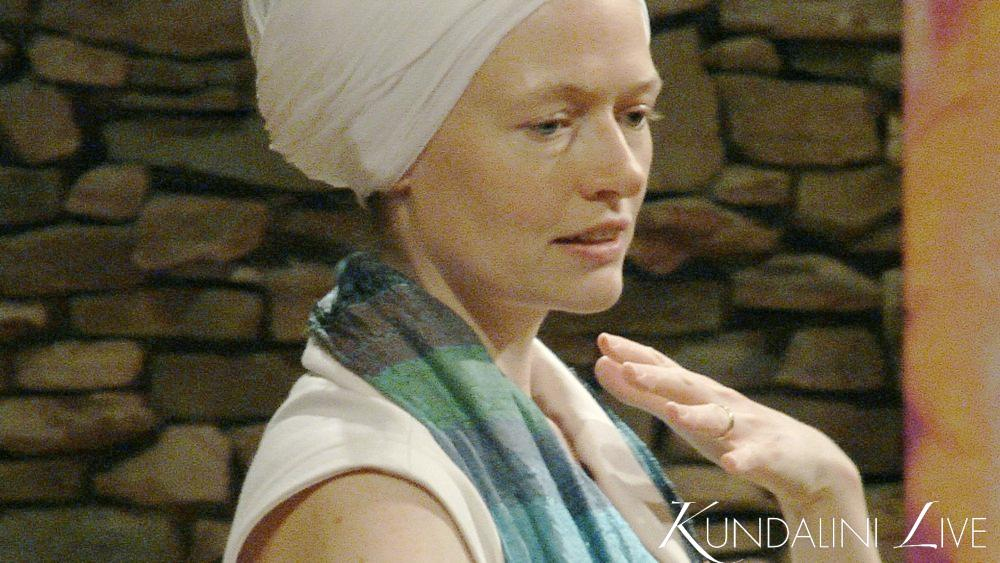 nihal kaur woman speaks to class on kundalini live online yoga teacher