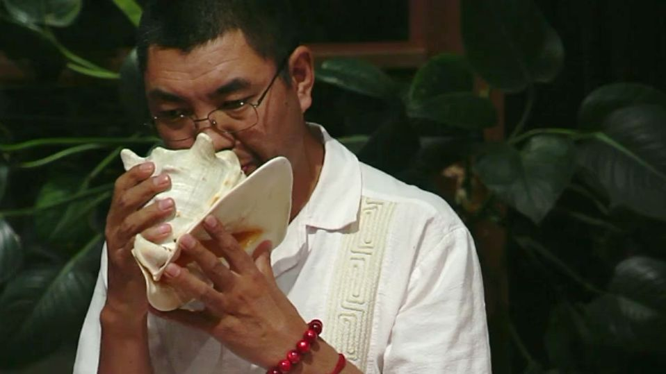 rinpoche sound healing with conch shell